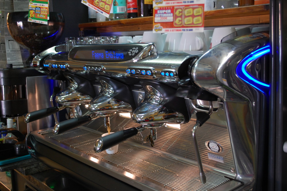 Fratelli masini bar alimentari carburante - Macchina del caffe bar ...